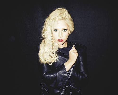 Lady-Gaga-shootee-par-Terry-Richardson_portrait_w674