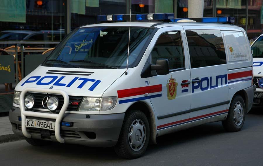 Mercedes_Benz_Vito_Oslo_Police_Van_-_2007.04.03