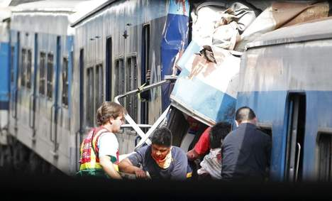 argentine_accident_train_buenos_aires_morts