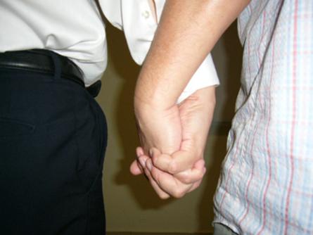 homosexualite-italie-gay-luca-gaylib-acceptation-defaut-association-pere-fils