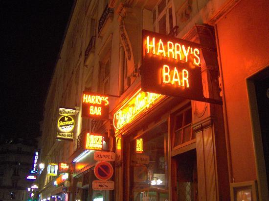 harrys_bar