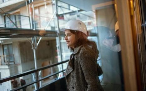 7764327461_cecile-duflot-ministre-du-logement-visite-un-chantier-de-logements-sociaux-le-3-janvier-2013-a-l-hay-les-roses-en-banlieue-parisienne